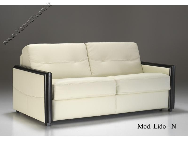 Divani letto matrimoniali offerte idee per il design for Divano letto in pelle prezzi