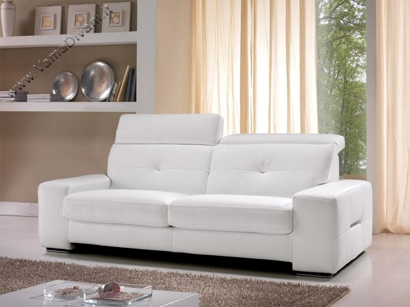 Divano tortora e bianco idee per il design della casa - Divano in pelle bianco ...