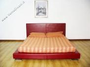 letto-imbottito-in-pelle-rita