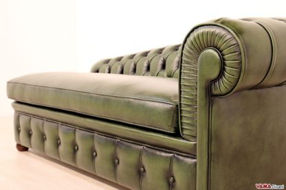 Chaise longue Chesterfield in pelle asportata verde