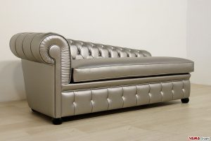 Dormeuse chesterfield in ecopelle con bottoni Swarovski