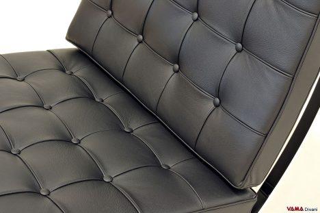Poltrona barcelona replica con cuscini in pelle nera
