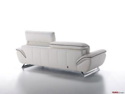 Retro del divano moderno con poggiatesta