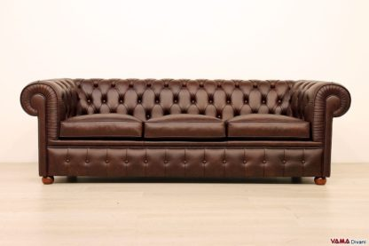 Divano 3 posti Chesterfield in pelle marrone scuro