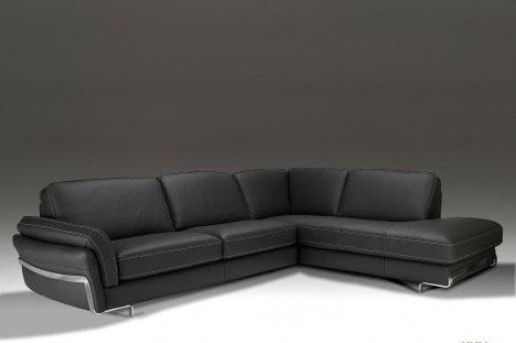 Divano Angolare nero moderno e comodo