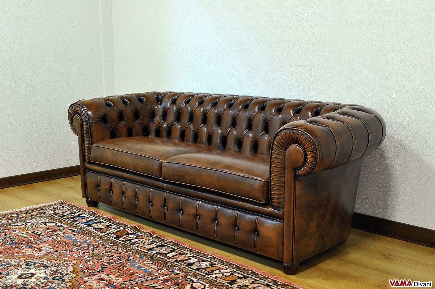 Divano Chesterfield 2 Posti Maxi | Due Cuscini Large
