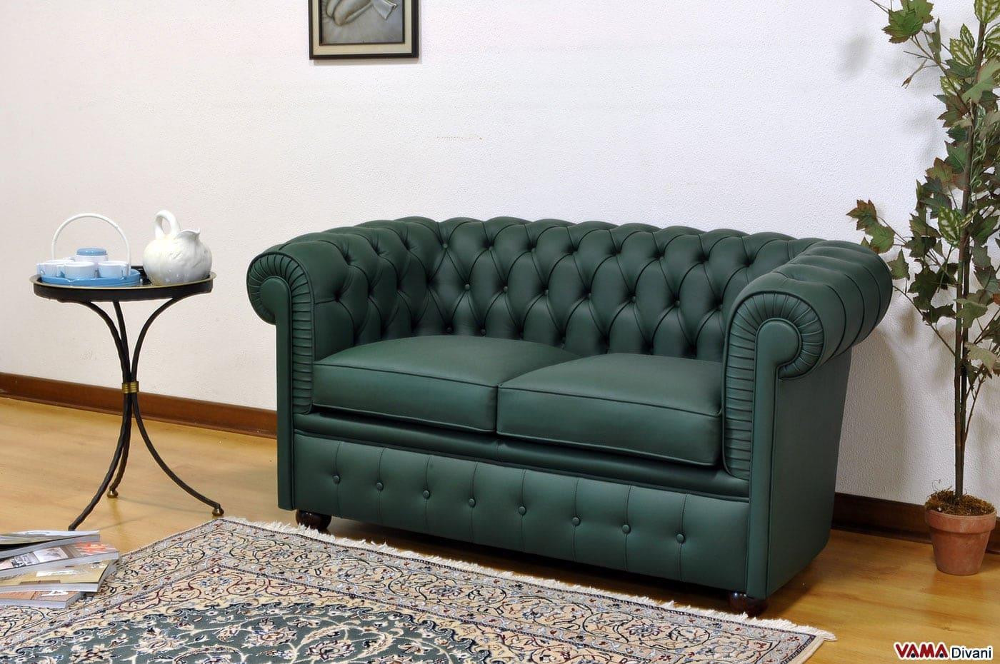 Divano verde in pelle idee per il design della casa for Rivestire divano pelle