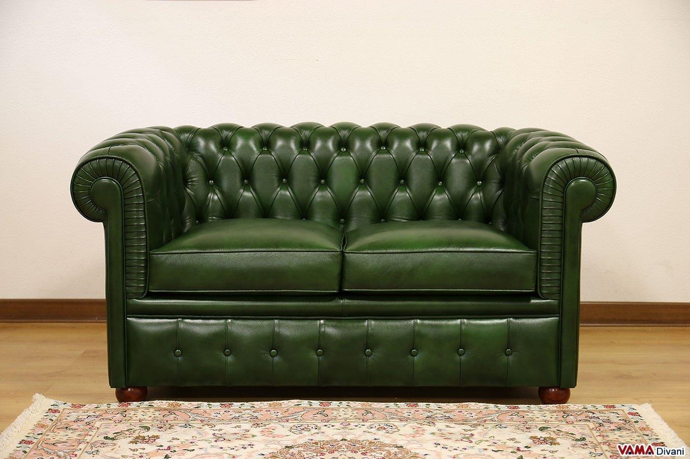 Divano chesterfield con misure ridotte chesterino for Sofa divano