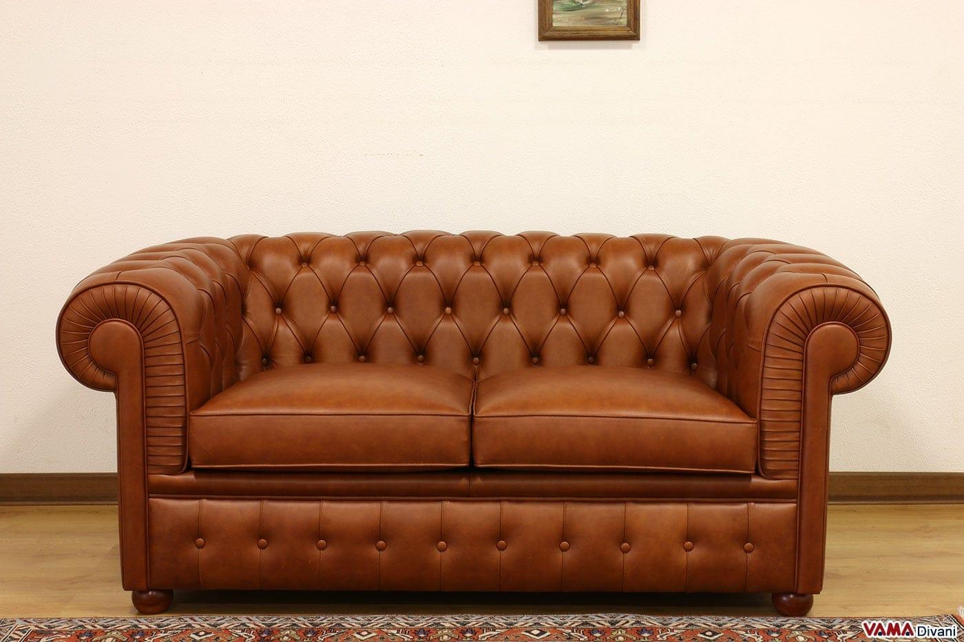 Divano Arancione E Marrone : Divano chesterfield posti vama divani