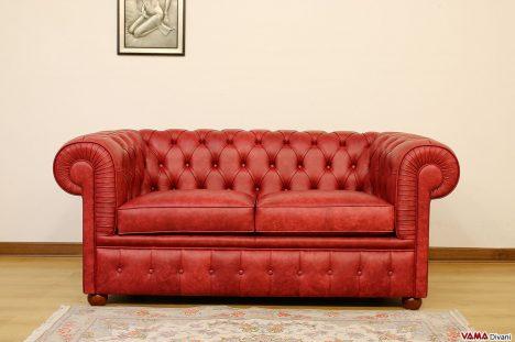 Divano Chesterfield 2 Posti vintage rosso in vera pelle
