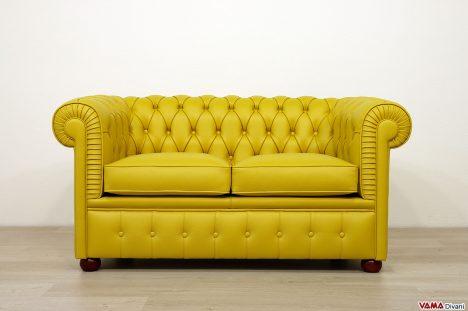 Divano Chesterfield 2 posti piccolo giallo in pelle