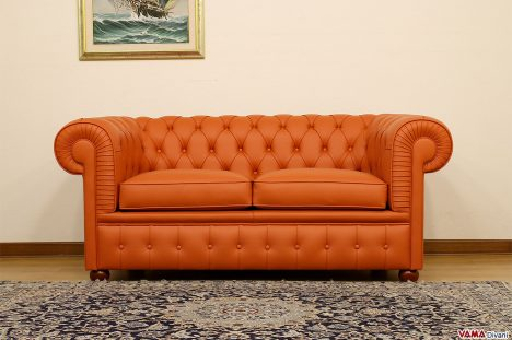 Divano Chesterfield arancio in pelle 2 posti