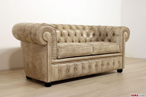 Divano Chesterfield in pelle beige 2 posti