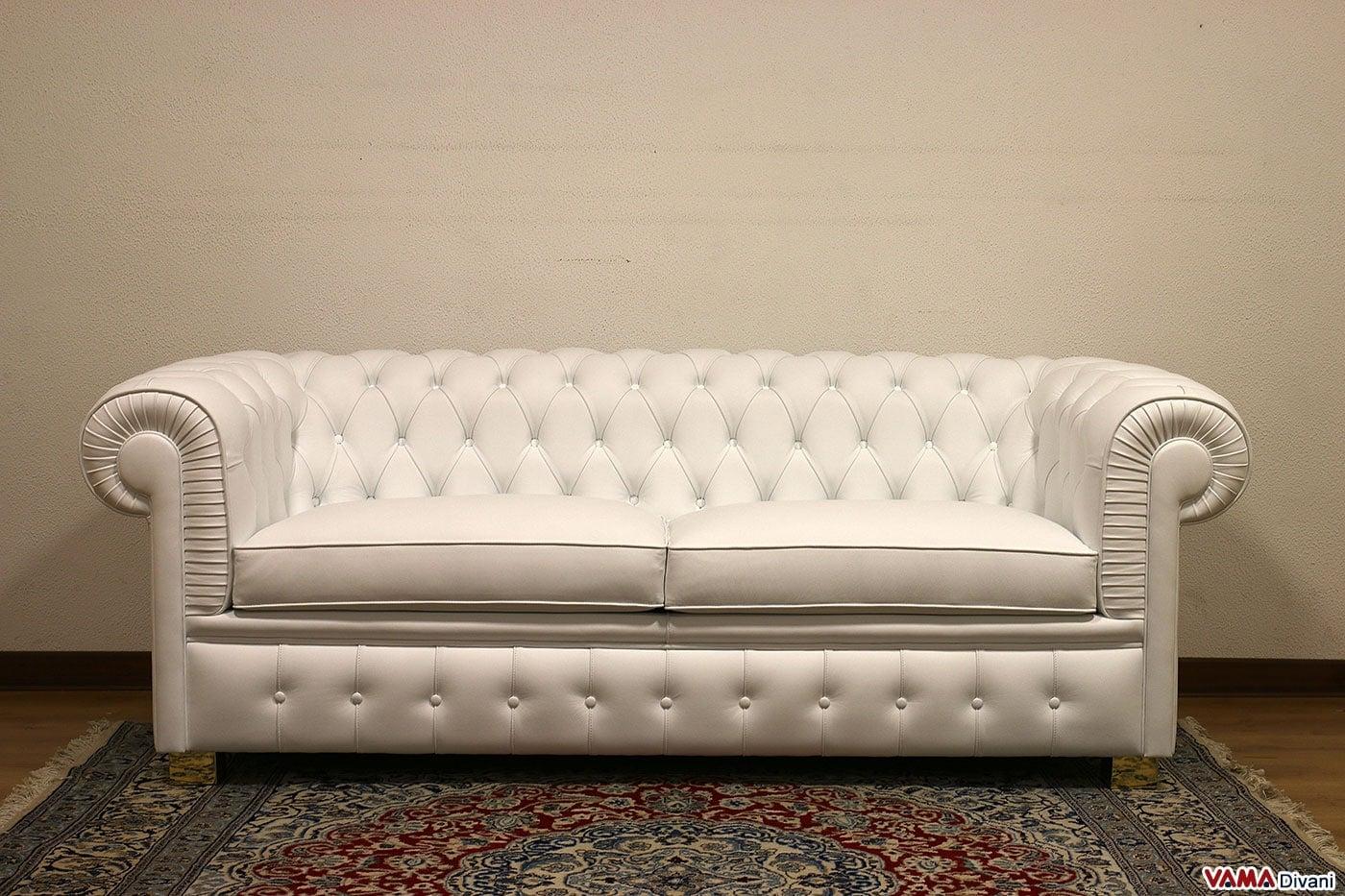 Divano chesterfield bianco idee per il design della casa - Ikea piedini divano ...