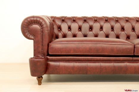 Divano Chesterfield vintage in pelle rossa bordeaux