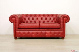 Divano Chesterfield rosso vintage 2 posti
