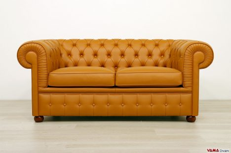 Divano Chesterfield in ecopelle marrone 2 posti