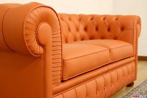 Divano Chesterfield 2 posti in pelle arancione