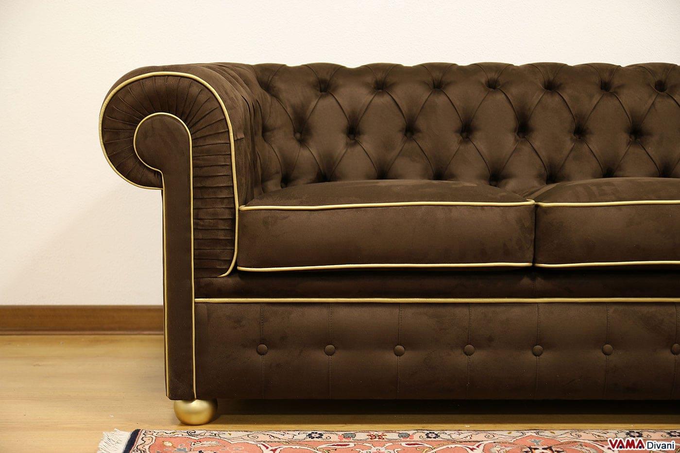 Divano chesterfield 3 posti prezzo e dimensioni for Divano colorato