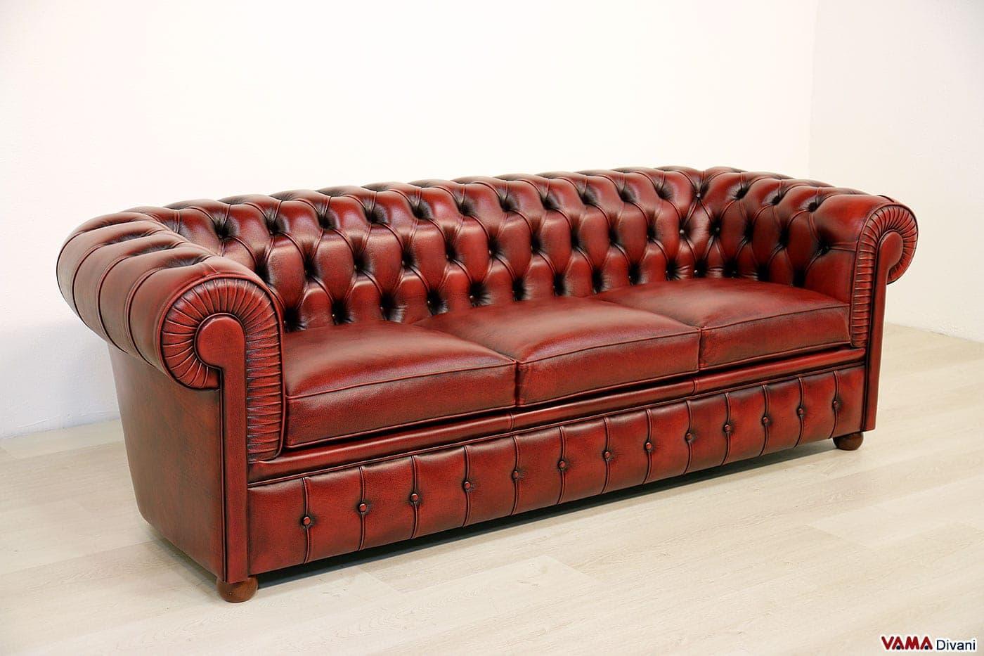 Divano chesterfield 3 posti rosso in pelle anticata vama - Divano rosso pelle ...