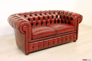 divano chesterfield vintage rosso in pelle 2 posti