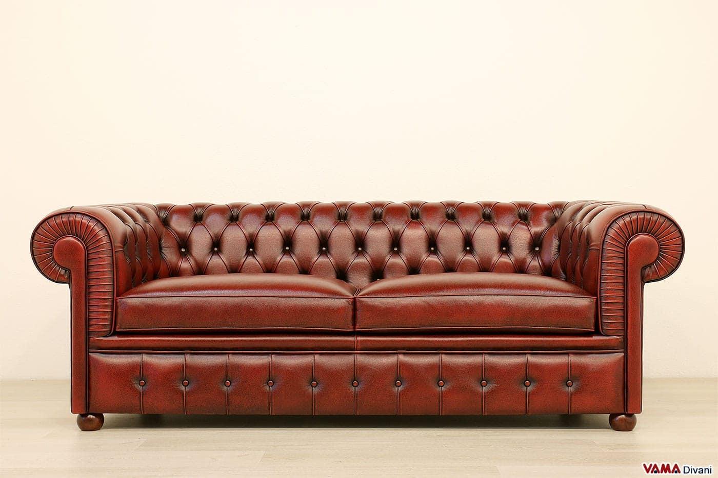 Divano vintage rosso idee per il design della casa - Divano rosso pelle ...