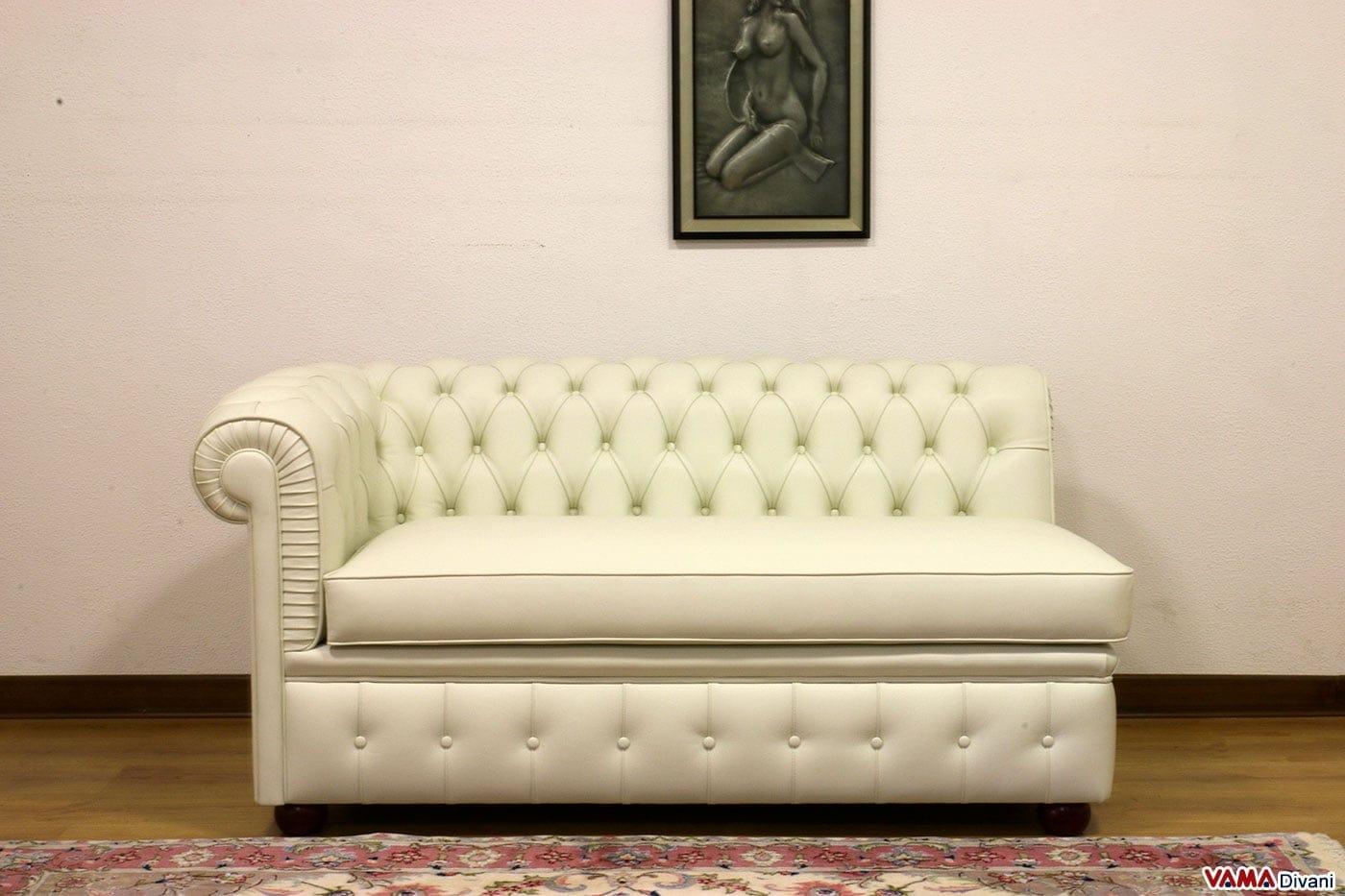 Divano chesterfield con misure ridotte chesterino - Un divano per dodici ...