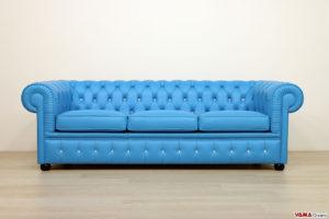 Divano Chesterfield azzurro con swarovski