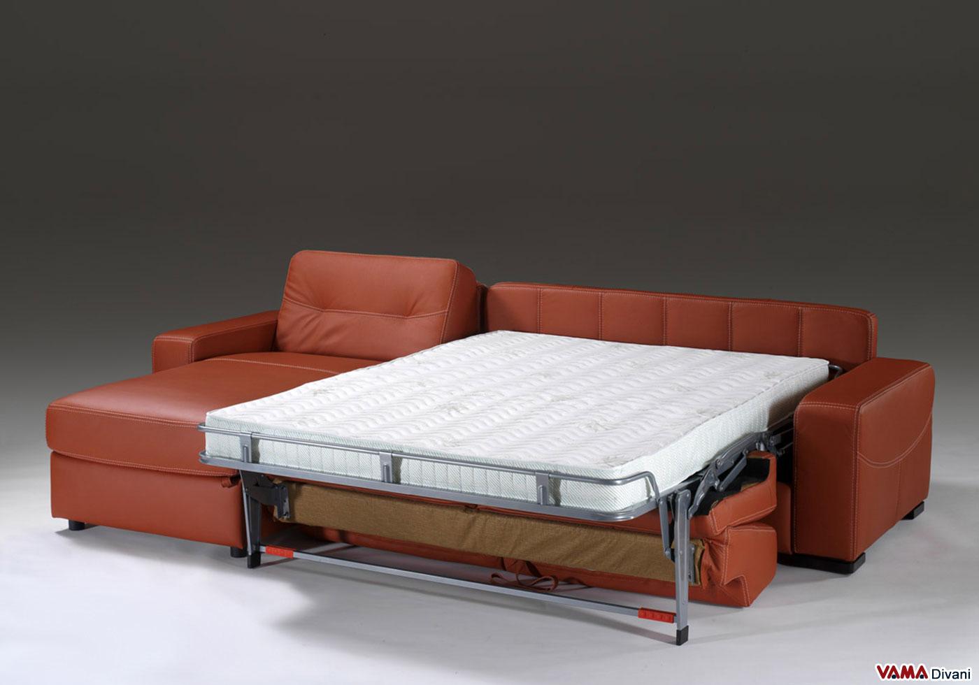 divano angolare con letto matrimoniale e penisola contenitore