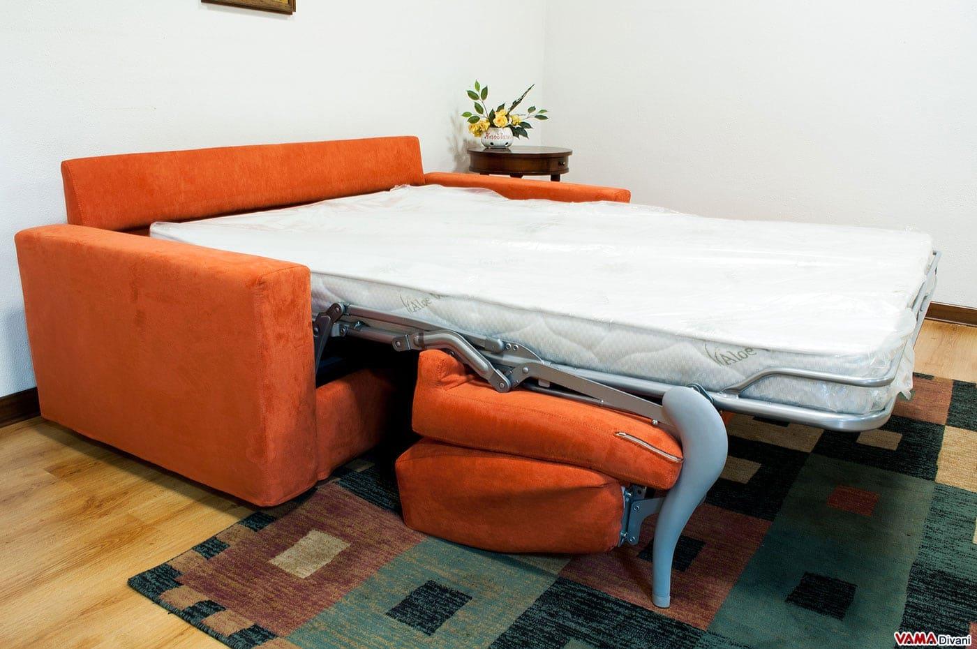 Divano letto matrimoniale in microfibra squadrato e - Divano letto aperto ...