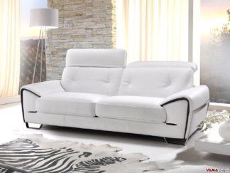 Divano bianco con poggiatesta reclinabili e piedini in acciaio inox