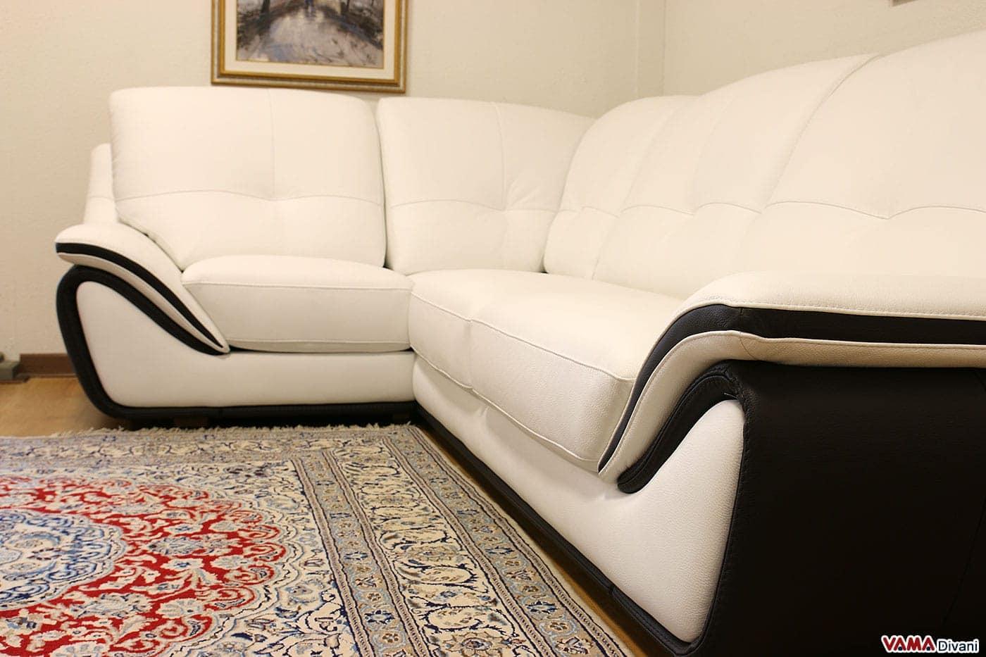 Divano in pelle moderno bianco schienale alto avvolgente for Divani letti moderni