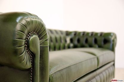Chiodi ottone invecchiato battuti a mano del divano Chesterfield