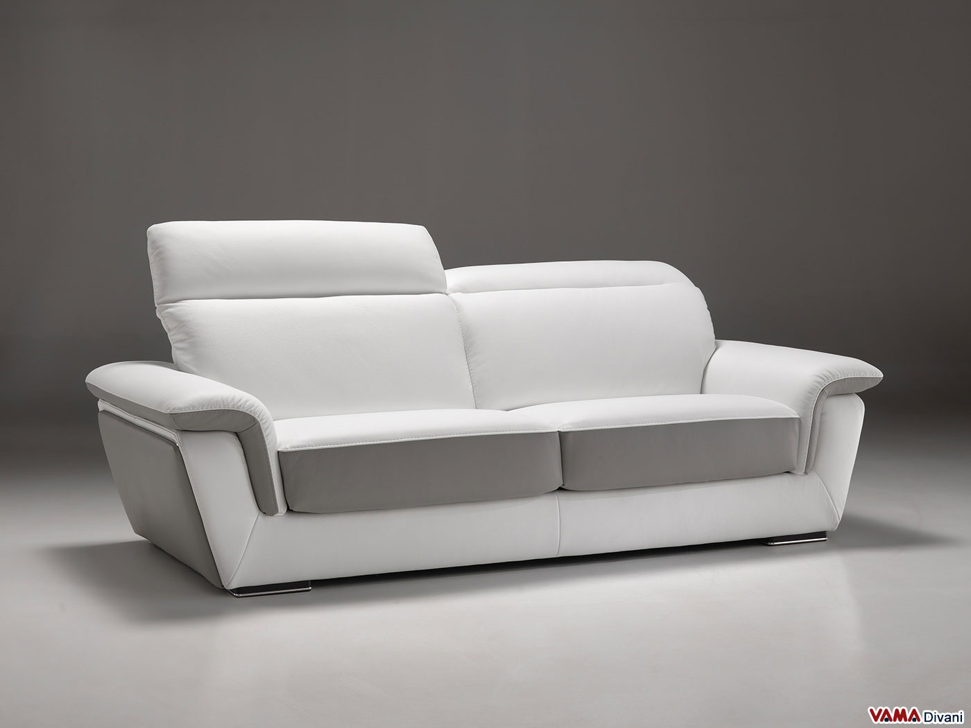 Divano moderno in pelle di design anche in versione angolare - Divano bianco pelle ...