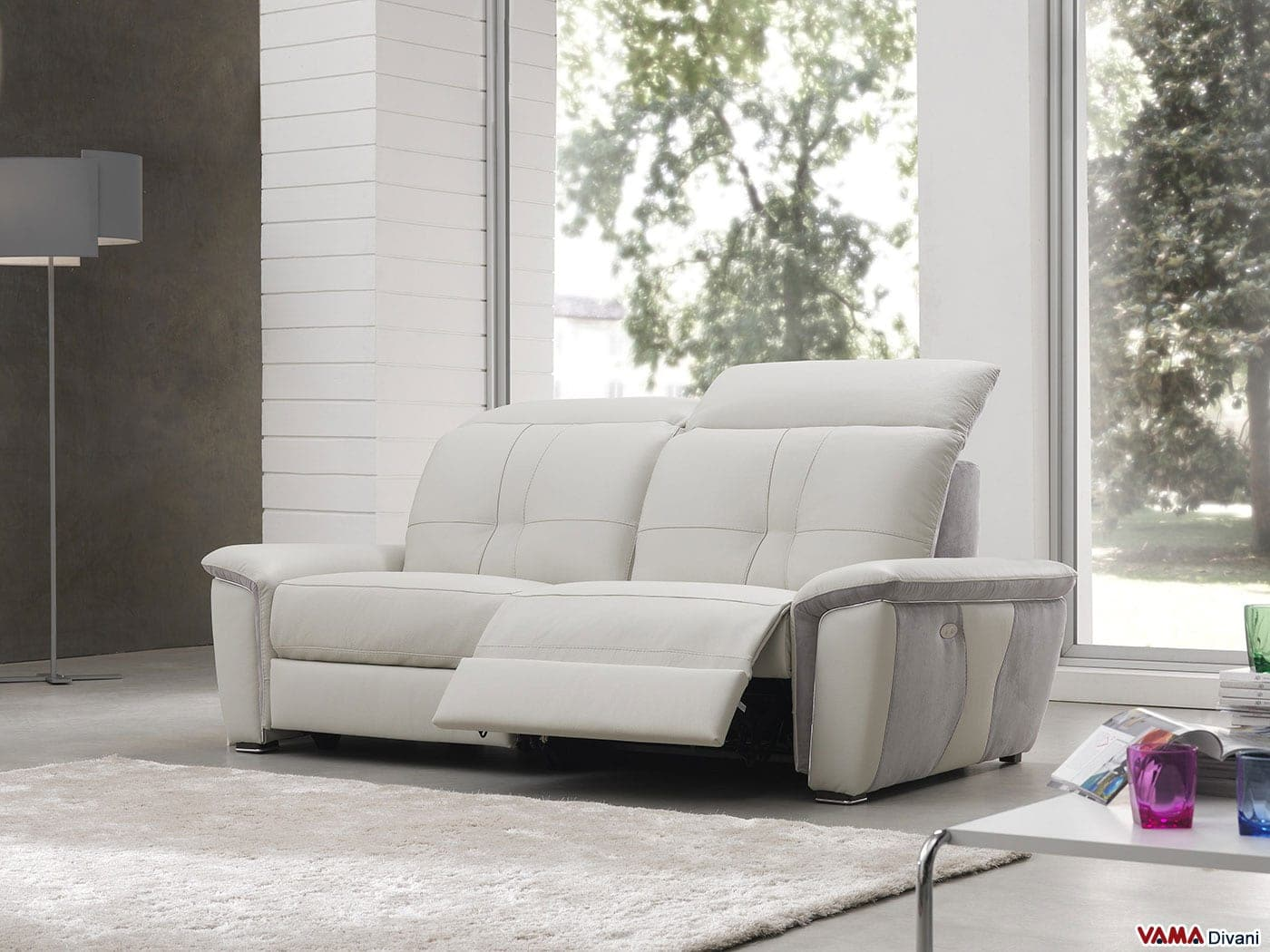Divano con relax elettrico rivestito in pelle e microfibra - Microfibra divano ...