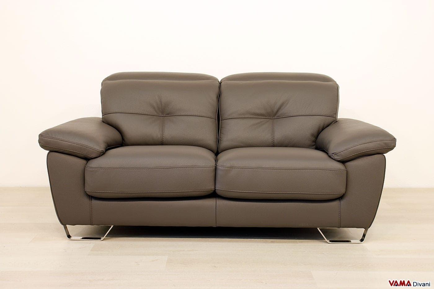 Divano con piedi alti casablanca vama divani for Divano 8 posti pelle