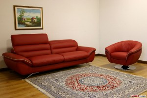 Salotto moderno rosso con poltrona girevole