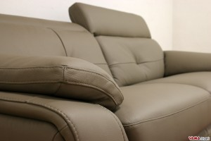 Bracciolo divano moderno in pelle marrone