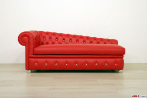 Dormeuse Chesterfield rossa in pelle con swarovski