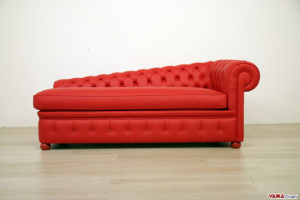 Chaise longue Chesterfield rossa in pelle