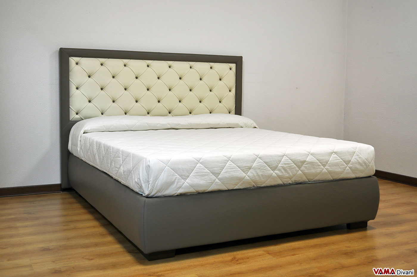 Letto imbottito moderno in vera pelle con testata in capitonn - Dove comprare un letto matrimoniale ...