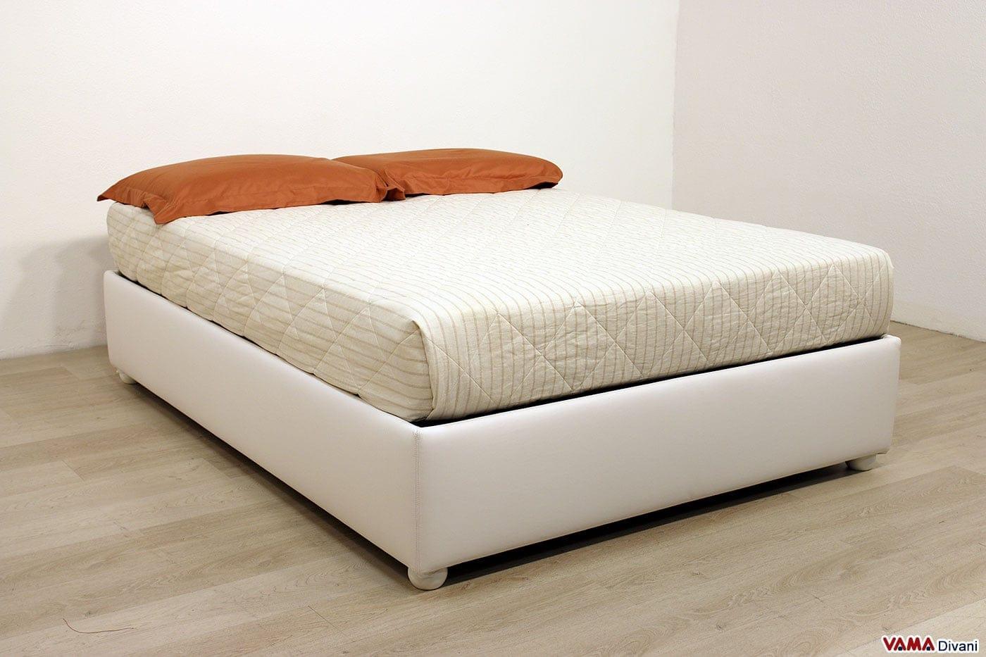 Letto con contenitore alla francese senza spalliera anche - Spalliera letto con cuscini ...