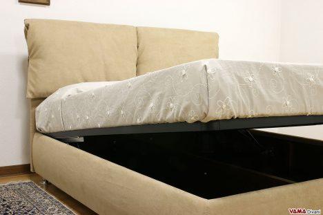 Letto in tessuto con contenitore e microfibra beige