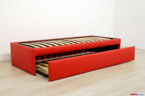 Letto singolo con letto estraibile rosso in ecopelle