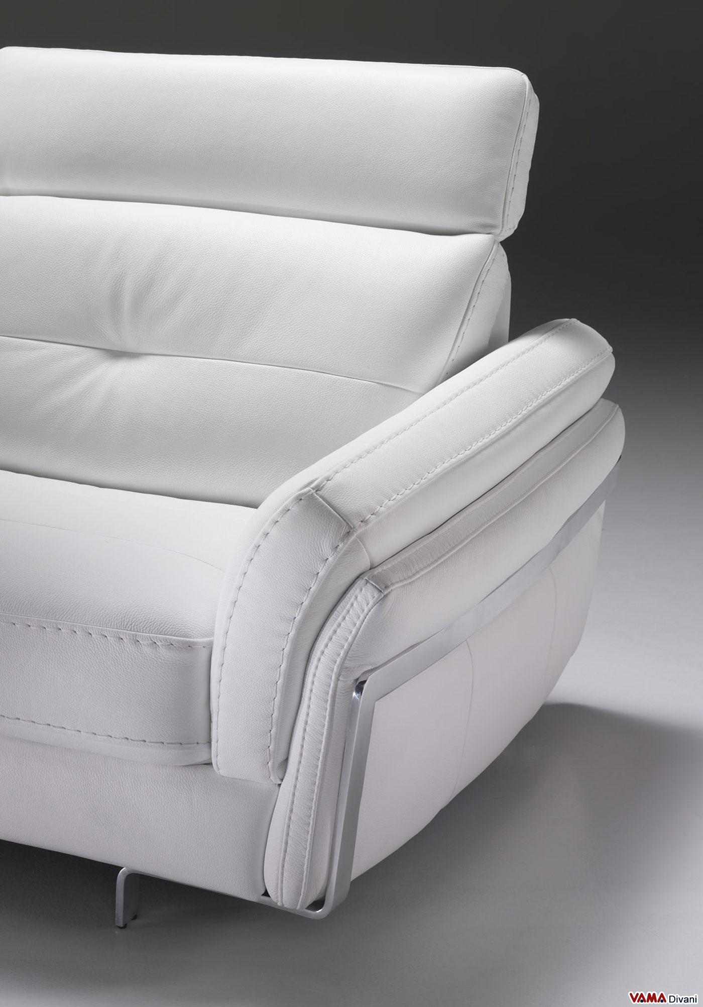 Divano in pelle con poggiatesta per un maggiore comfort - Poggiatesta per divano ...