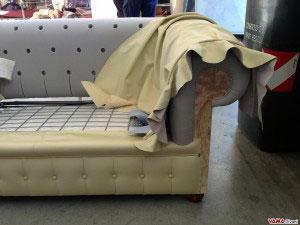 Pelle del divano chesterfield