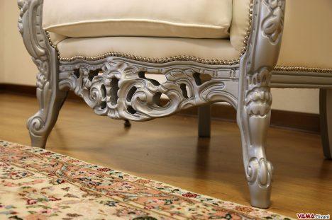 Poltrona Barocco con legno laccato grigio