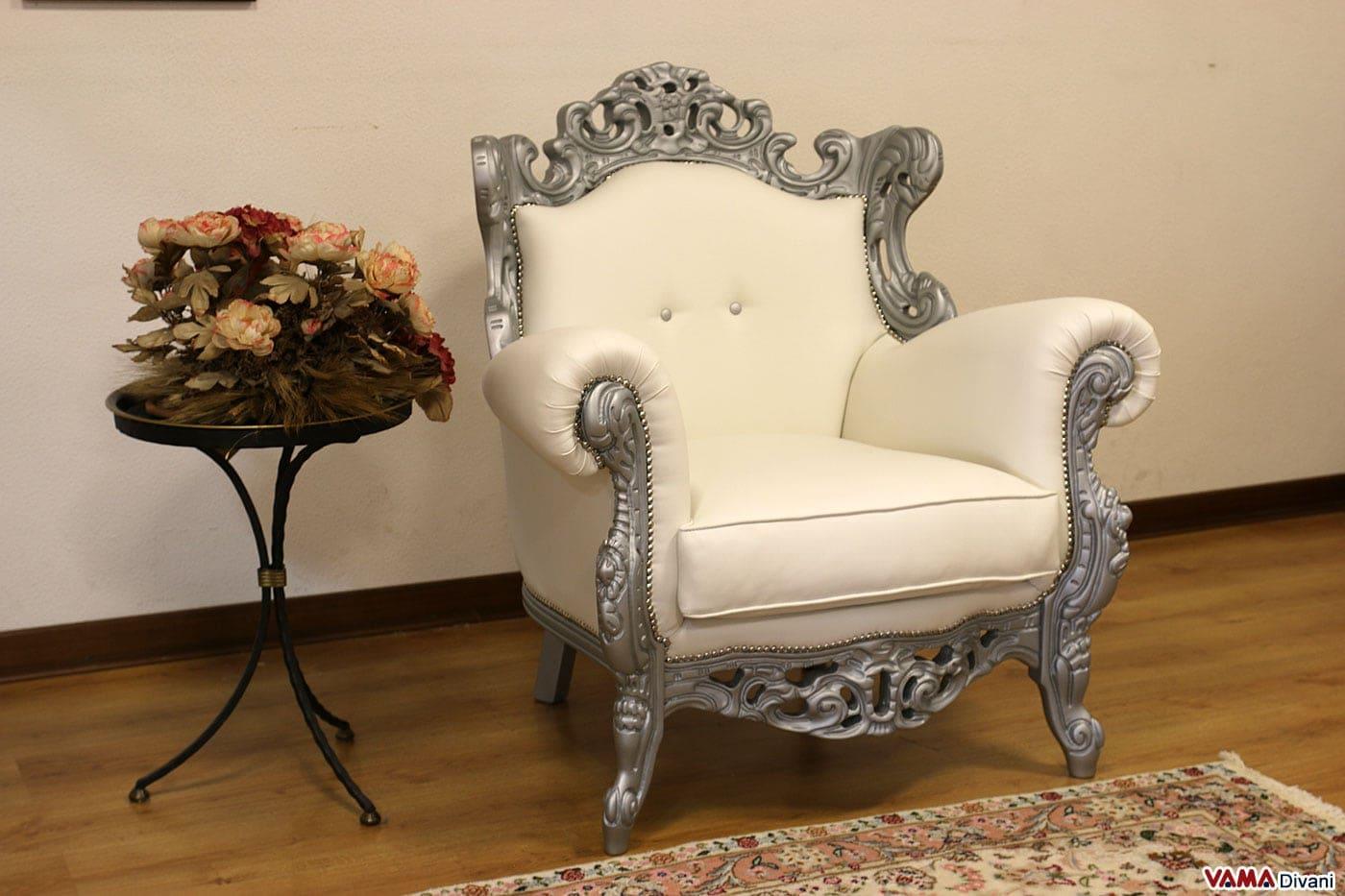 Poltrona Barocco in pelle bianca con legno laccato grigio