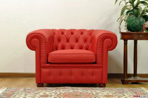 Poltrona Chesterfield rossa in pelle