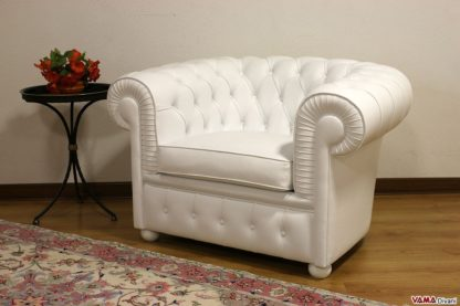 Poltrona Chesterfield bianca in pelle